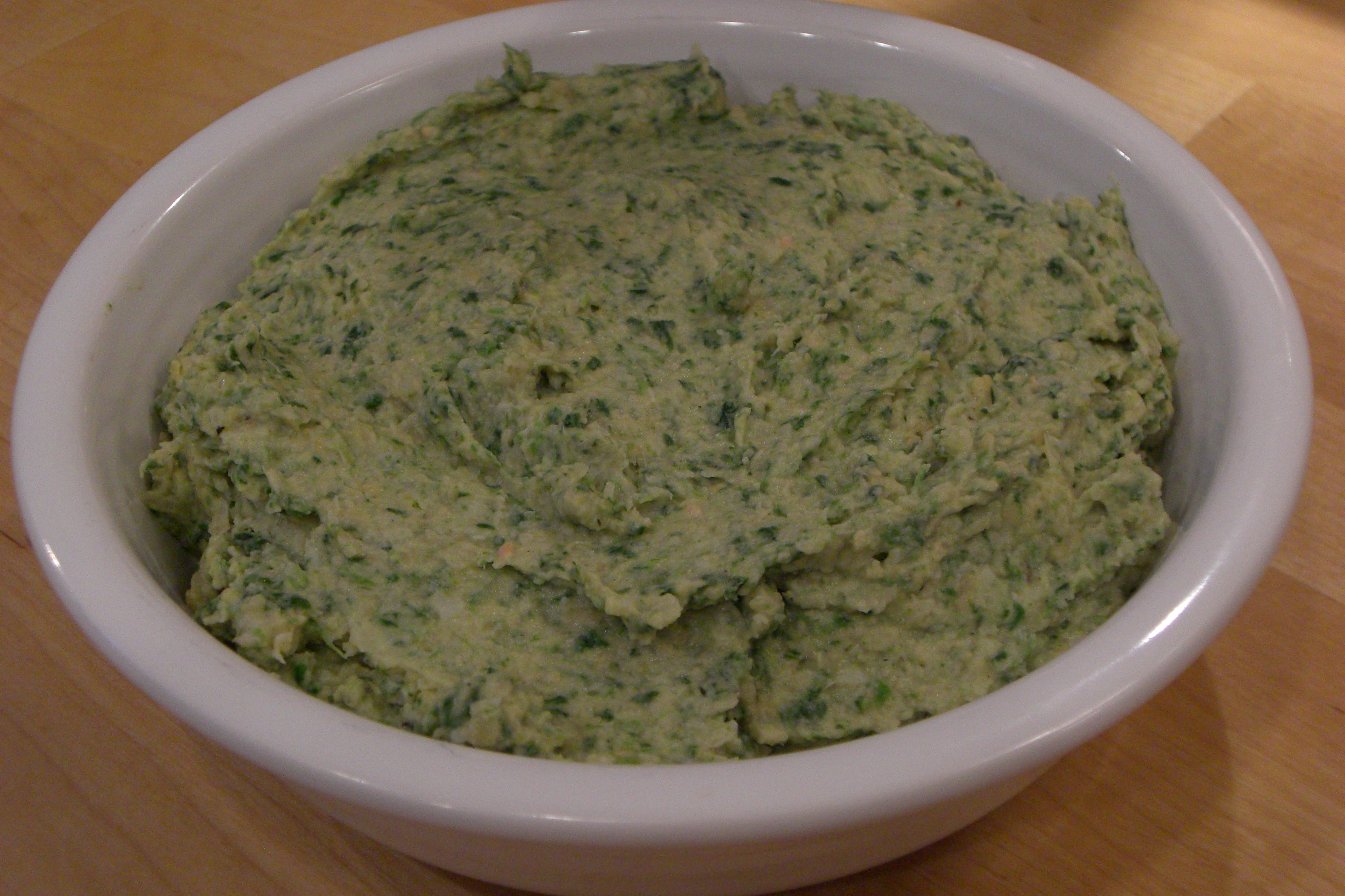 Spinach and artichoke hummus | Get Healthy With Heather
